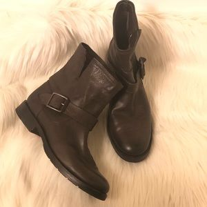 NWOT Frye boots
